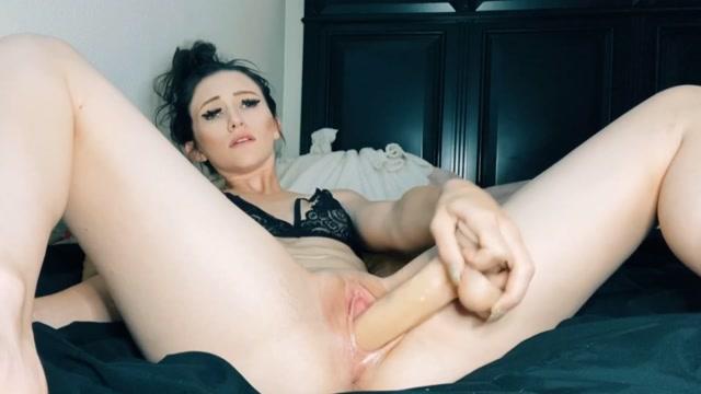 Nicole_Renteria_-_Blow_Job_Dirty_Talk_Dildo_Fuck.mp4.00008.jpg