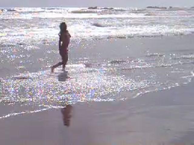 NikkiLadyboys_-__Sissy_Asian_Ladyboy_Running_in_Thailand_Beach.flv.00005.jpg