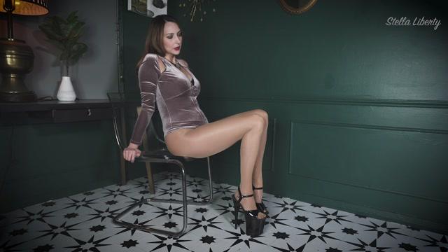 Stella_Liberty_-_Legs_Cum_Challenge.mp4.00002.jpg