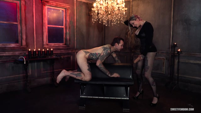 SweetFemdom_presents_Madeline_Marlowe__Will_Havoc_-_Hot_Secretary__Using_Her_Boss_s_Holes___12.10.2020.mp4.00002.jpg