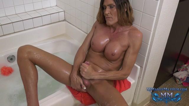 TS_Mandy_Mayhem_bubble_bath_solo.mp4.00010.jpg