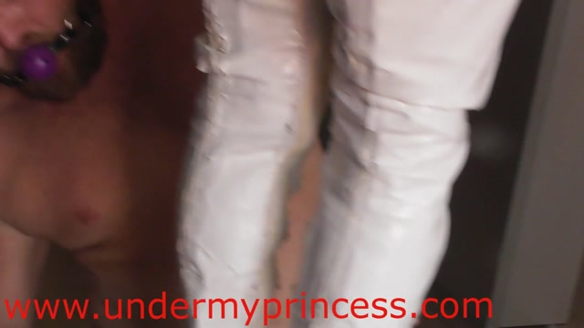 Under_my_princess_-_Nikki_Cruel__Princess_Neomi_-_Pain_Slave_Part_2.mp4.00012.jpg