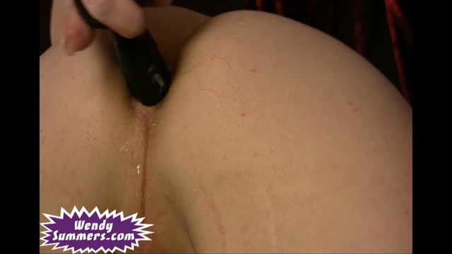 Wendy_Summers_in_Black_Dildo_Review.wmv.00008.jpg