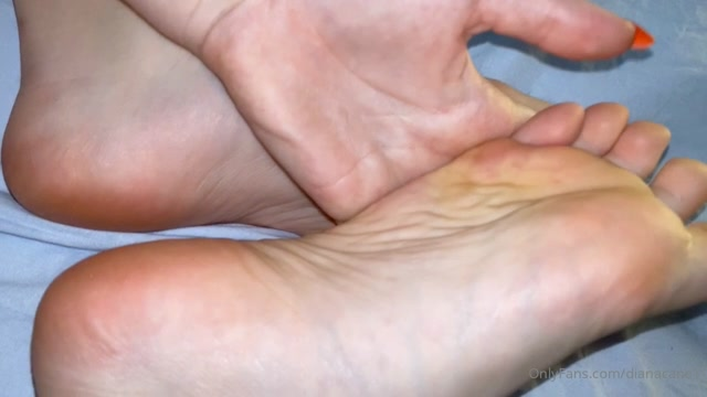 dianacane_11-05-2020_Like_if_you_want_to_massage_my_feet.mp4.00007.jpg