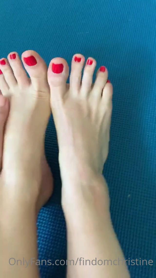 findomchristine_16-05-2020_Just_finished_yoga._Happy_Saturday..mp4.00001.jpg