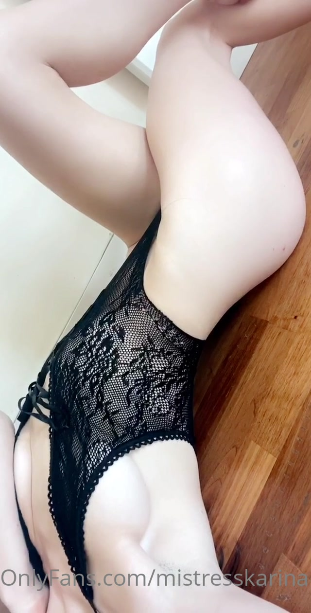 mistresskarina_04-05-2020_Good_morning_Lingerie_body_worship.mp4.00014.jpg