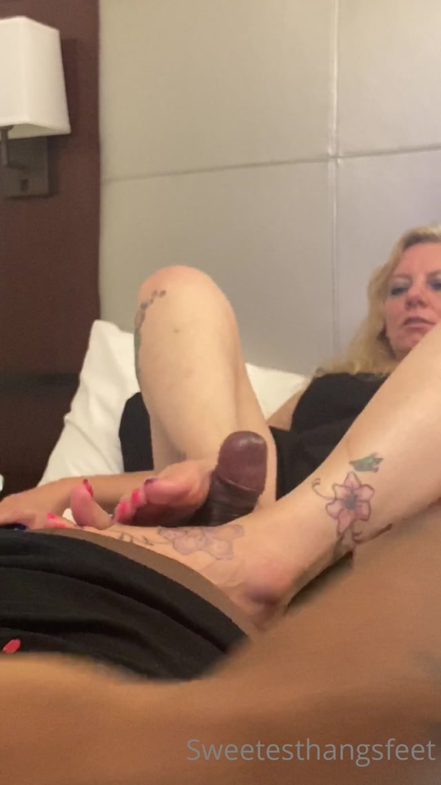 Watch Online Porn – sweetesthangsfeet 1208202096914993 from my boston trip thank you so much for b (MP4, UltraHD/2K, 1080×1920)