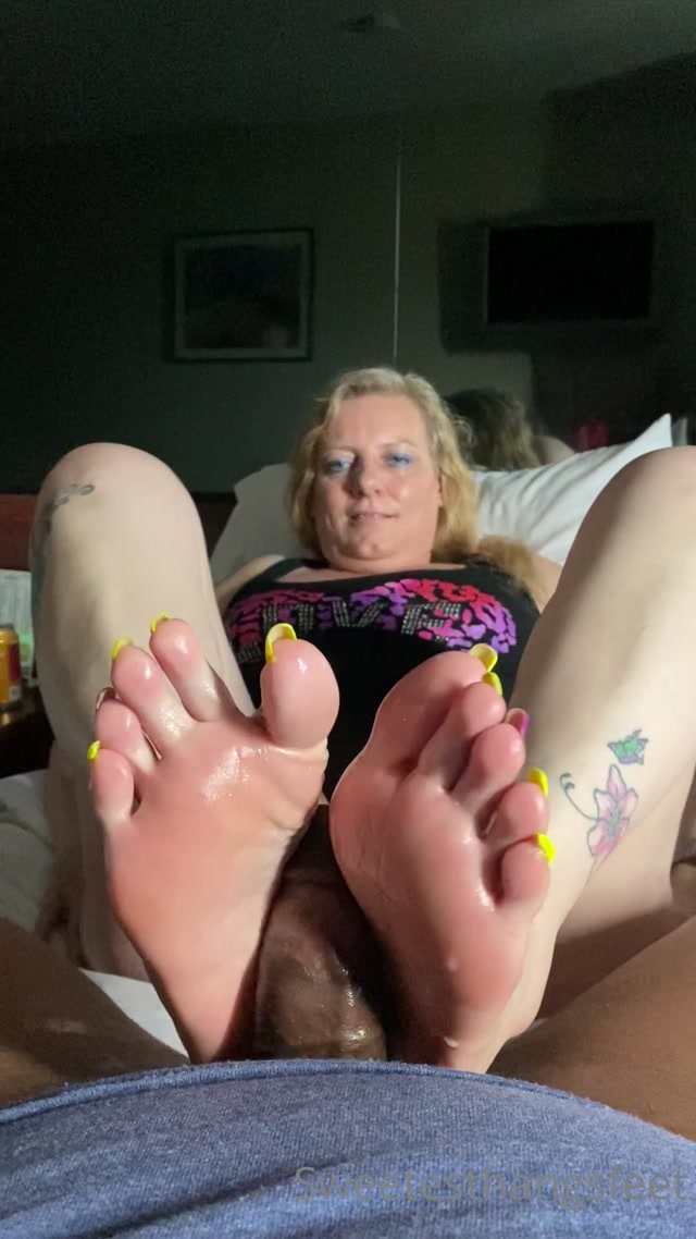 sweetesthangsfeet_27_05_2020_42965374_so_this_bbc_has_been_waiting_for_me_to_get_to_at.mp4.00015.jpg