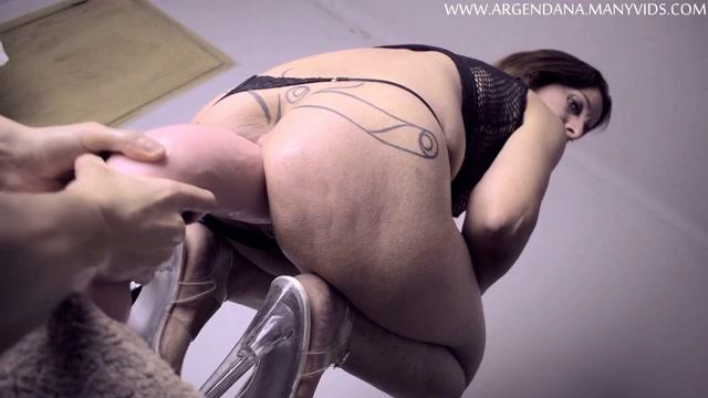 Bizarre_amateur_big_ass_MILF_dildo_and_fisting_DAP_sex.mp4.00003.jpg