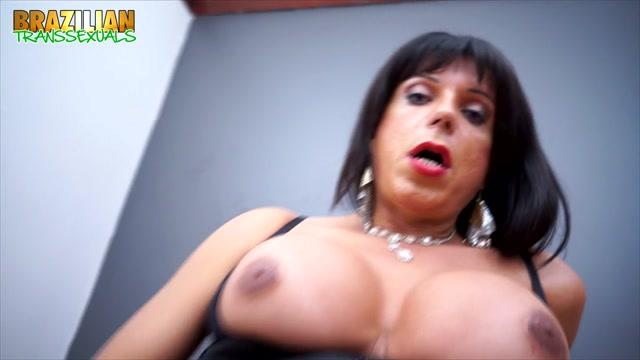Brazilian-transsexuals_presents_Suzy_Santoro_Plays_With_Her_Dildo.mp4.00006.jpg