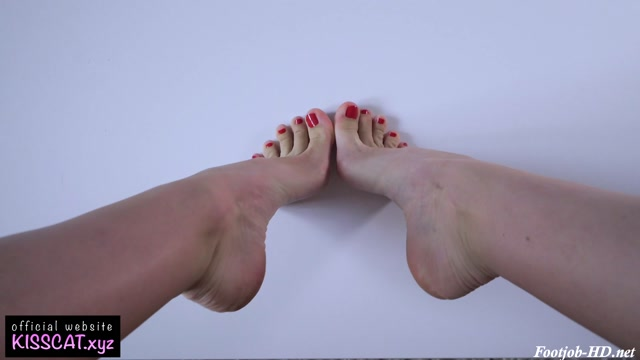 Close_Up_Footjob_Cum_Eating_on_Feet_-_Kiss_cat.mp4.00002.jpg