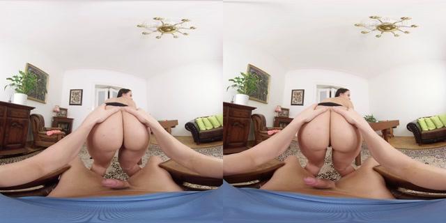 Czechvr_presents_VR_384_Aiming_for_Holes_-_Jennifer_Mendez.mp4.00003.jpg