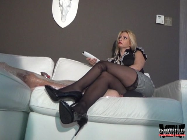 Face_Sitting_Queen_starring_in_video_Helplessly_wrapped_under_My_Ass_of_WOMEN_OVER_men_studio.mp4.00012.jpg