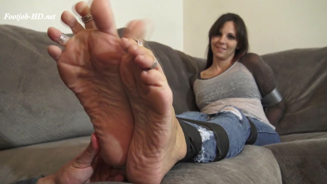 Watch Online Porn – Footplay, Blowjob and Sole Fucking Duct Tape Bondage Couple Plays – Kinky Foot Girl (MP4, FullHD, 1920×1080)