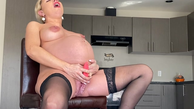 Watch Online Porn – Grace Squirts – Bosss Pregnant Belly and Button JOI (MP4, FullHD, 1920×1080)