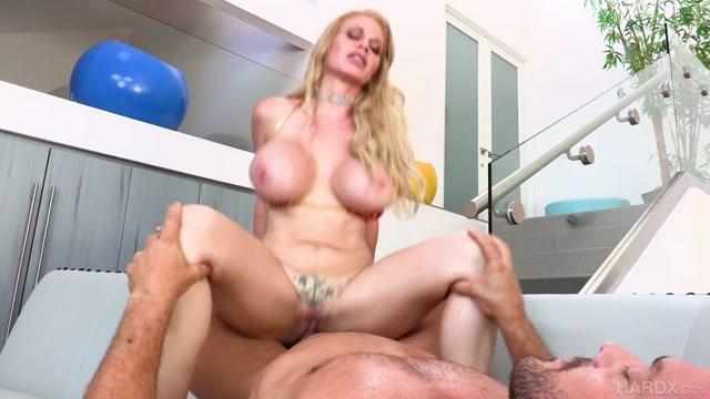 HardX_presents_Casca_Akashova_-_Busty_Blonde_Gets_Fucked___20.11.2020.mp4.00014.jpg