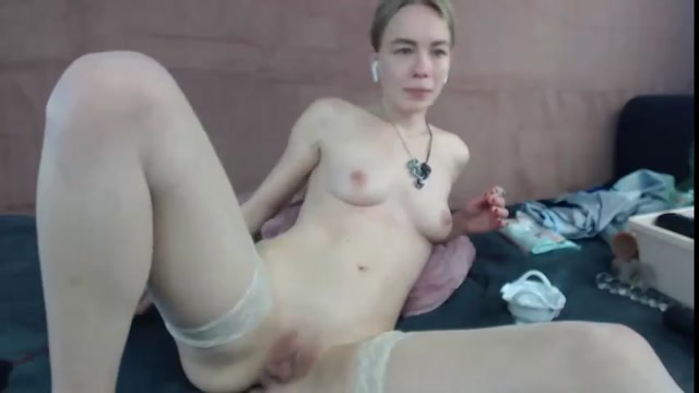 JanaBellaCam_shocking_size_anal_prolapse_show_in_doggy_pose.mp4.00002.jpg