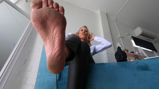 MistressAlana_-_Buy_My_Feet_Custom.mp4.00015.jpg