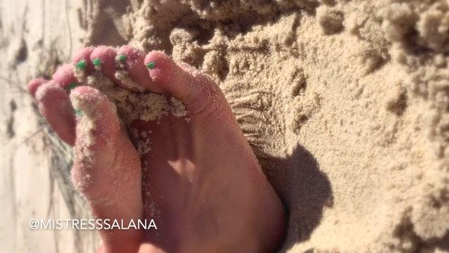 Watch Free Porno Online – MistressAlana – Sandy feet you cannot resist (MP4, FullHD, 1920×1080)
