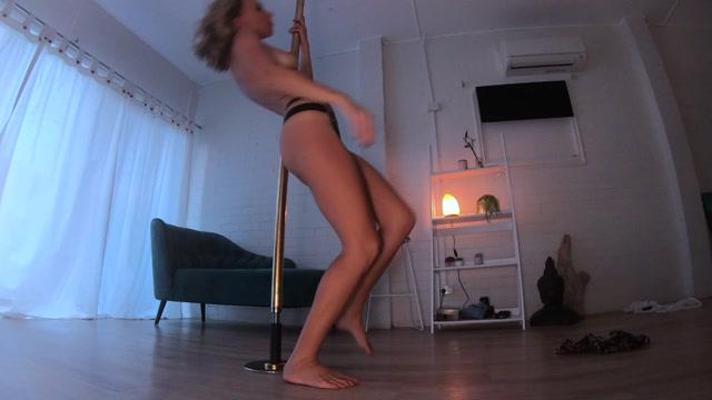 Mistress_Alana_-_Striptease___pole_dancing_at_home.mp4.00006.jpg