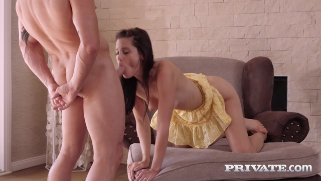 PrivateStars_presents_Little_Caprice_-_Dilemma__Read_Or_Fuck___20.11.2020.mp4.00003.jpg
