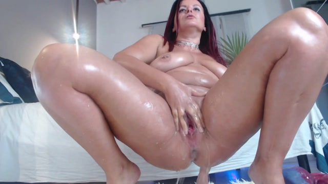 Really_huge_tits_MILF_sweet_anal_rosebutt_loose.mp4.00005.jpg