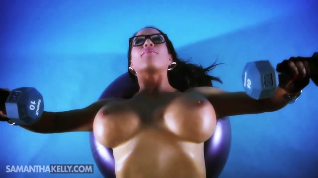 Samantha_Kelly_-_Insanely_Hot_Nude_Upper_Body_Workout.mp4.00009.jpg