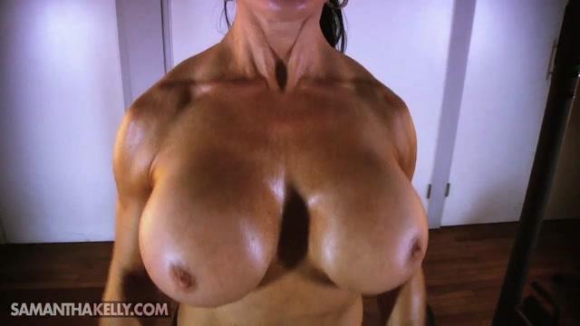 Samantha_Kelly_-_Serious_Flexing_Topless.mp4.00002.jpg