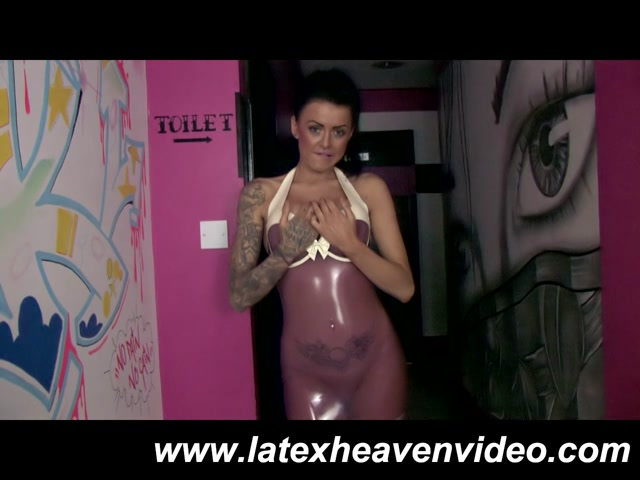 Trans_Pink_Dress_and_Stockings.mp4.00001.jpg