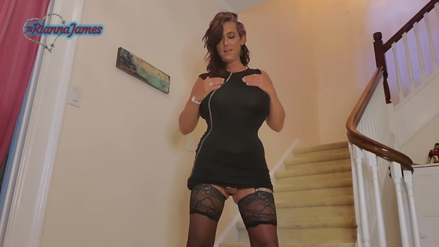 Ts_Rianna_James_-_Stairwaypissondate.mp4.00003.jpg