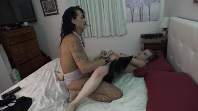 Ts_Rianna_James_-_stepmomfantasyskyriannawheaders.mp4.00013.jpg