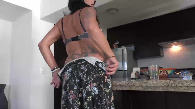 Ts_Rianna_James_-_teaseanddenialshort.mp4.00006.jpg
