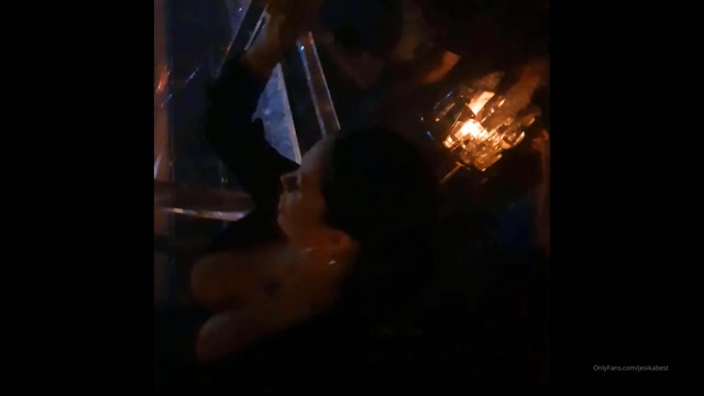 jesikabest_12-02-2020_Fingers_in_my_pussy_in_the_club.mp4.00001.jpg