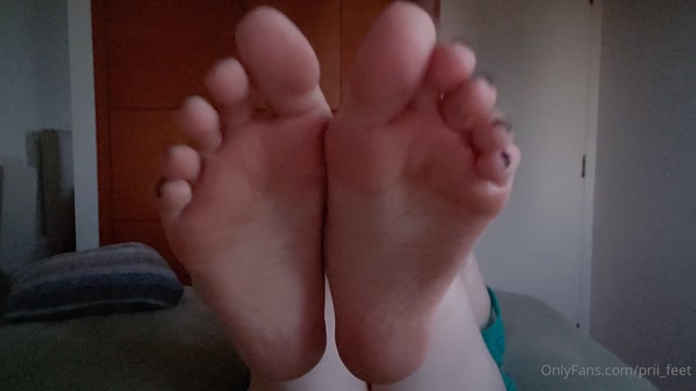 prii_feet_08-06-2020-45804395-JOI.mp4.00003.jpg