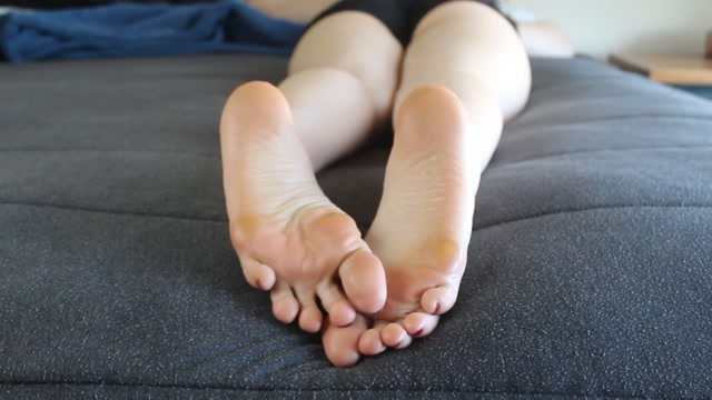 the-goddess-clue_21-10-2019_Sleepy_supple_soles._Enjoy_a_fine_view_o.mp4.00003.jpg