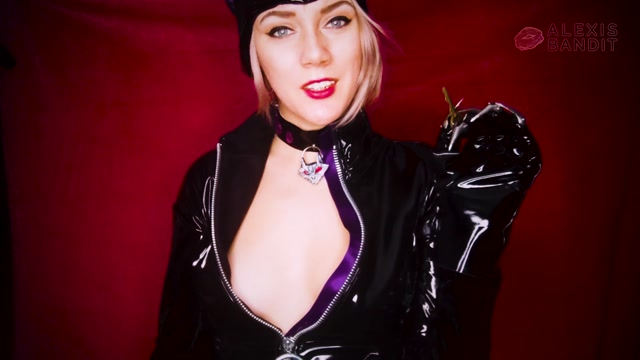 AlexisBandit_-_Catwoman_Snatched_Your_Chastity_Key.mp4.00007.jpg