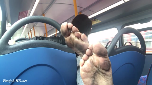 Watch Online Porn – Bus ride with black soles and cumshot – Feetwonders (MP4, HD, 1280×720)