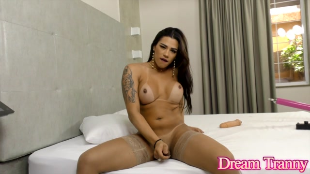 DreamTranny_presents_Sabrina_Alves_Fucking_Machine_Made_Her_Cum___29.12.2020.mp4.00002.jpg