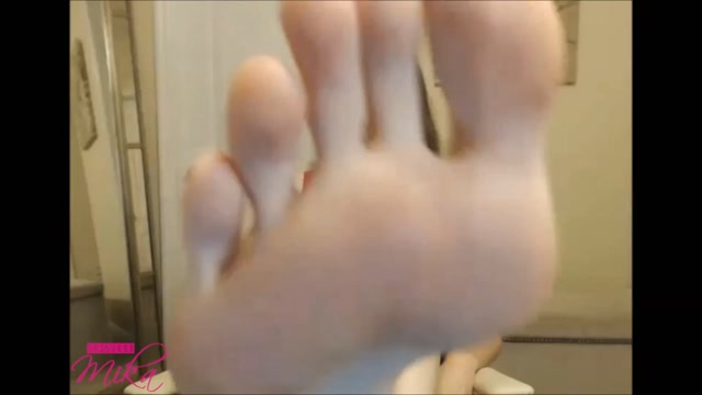 Empress_Mika_-_SPH_Foot_Worship.mp4.00014.jpg