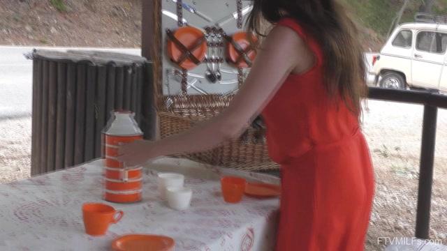 FTVMilfs_presents_Gabriella_-_Russian_Abroad_-_A_Fun_Sexy_Visit__07.mp4.00002.jpg