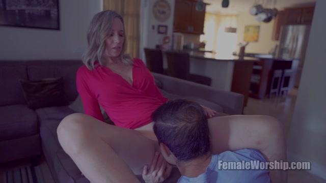 FemaleWorship_-_Help_Me_With_My_Shorts.mp4.00009.jpg