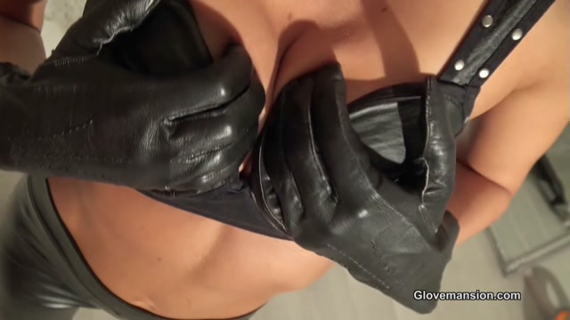 Glovemansion_-_Leather_gloved_executrix_-_Fetish.mp4.00008.jpg