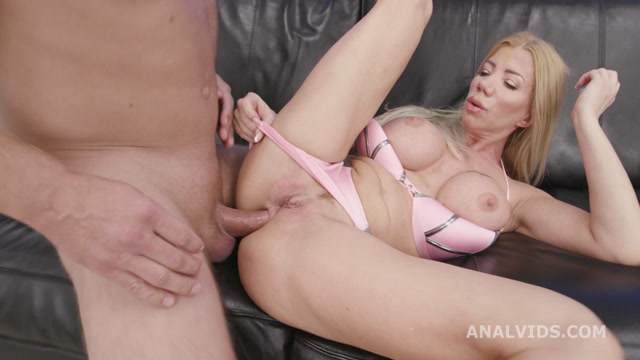 Watch Online Porn – LegalPorno presents Basined, Lara De Santis turns wild with Balls Deep Anal, DAP, Pee Drink and Swallow GIO1622 – 02.12.2020 (MP4, HD, 1280×720)