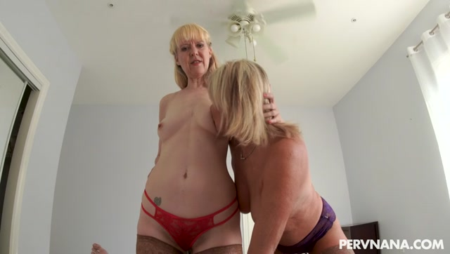 MYLF_presents_Payton_Hall__Jamie_Foster_-_Grandma_s_Friend___28.12.2020.mp4.00004.jpg