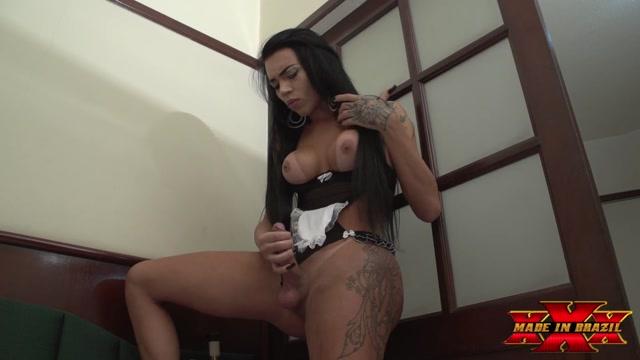 MadeInBrazil_presents_Advantages_of_having_a_transvestite_maid_Bianca_Reis.mp4.00015.jpg