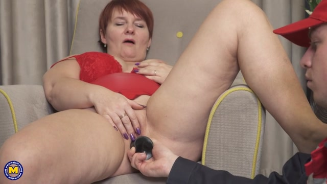 Mature.nl_presents_Nadine__45_.mp4.00002.jpg