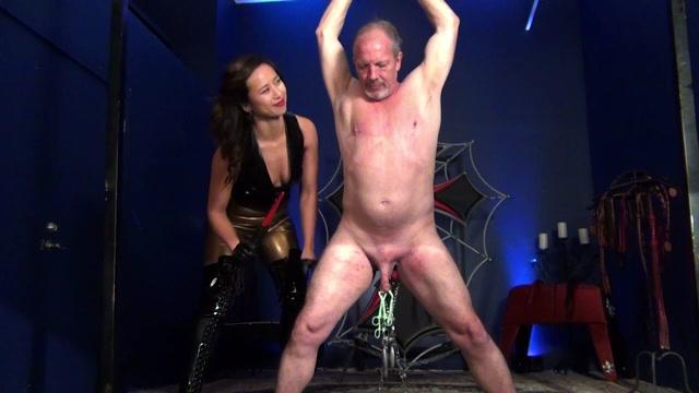 Mistress_Lucy_Khan_-_Hung_Up_on_FemDom-_PART_1.mp4.00000.jpg
