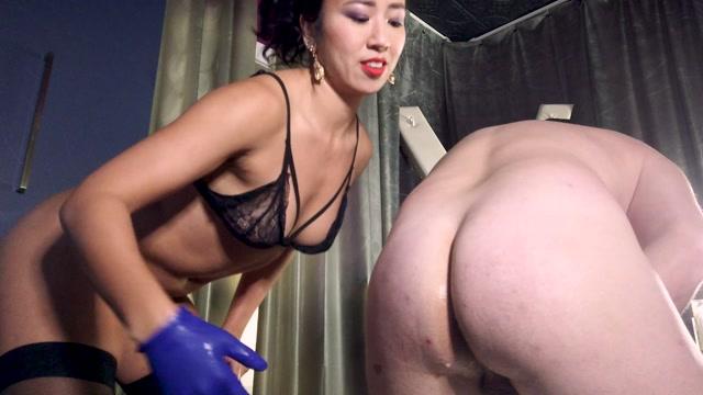 Mistress_Lucy_Khan_-_Monster_Cock_Training_day.mp4.00003.jpg