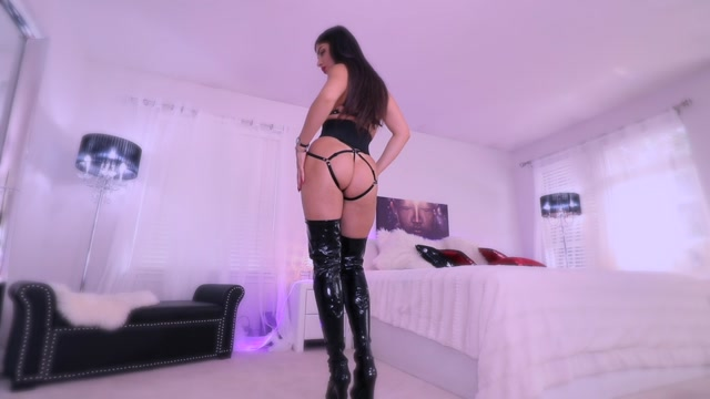 Queen_Regina_in_more_P0ppers_for_My_slut____17.99__Premium_user_request_.mp4.00008.jpg