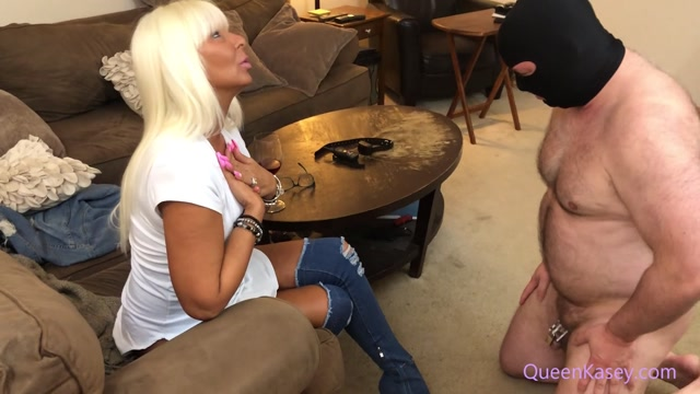 realqueenkasey_24-05-2020_Boot_Humper_Denied_Chastity_Release._I_remove_the_s.mp4.00012.jpg